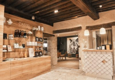 Castel de Très Girard Restaurant-Hôtel - 4