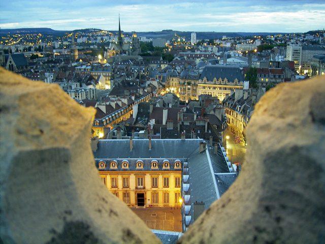 25297-Vue-de-la-Tour-Philippe-le-BonA-Office-de-Tourisme-de-Dijon