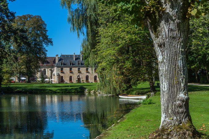 Abbaye et lac