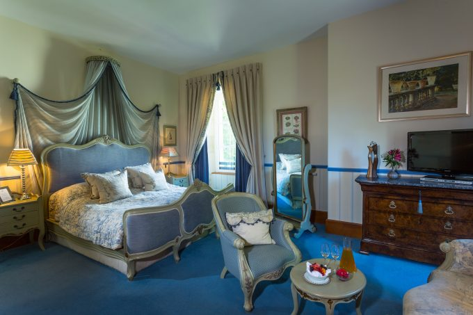 Reigny bedroom